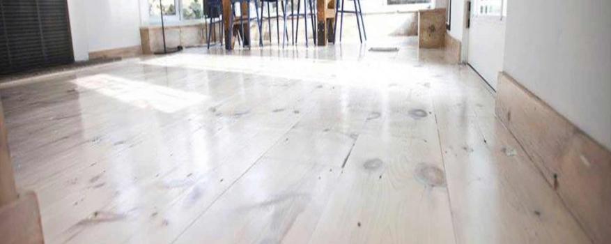 White Stain Pine Kitchen